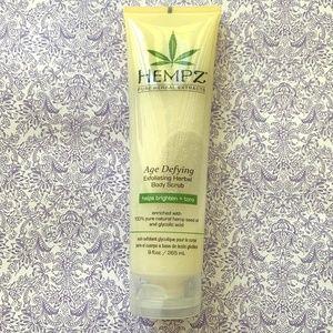 New Hempz Age Defying Body Scrub 9 oz 265 ml